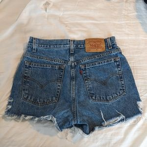 LEVIS Highwaisted Ripped Shorts